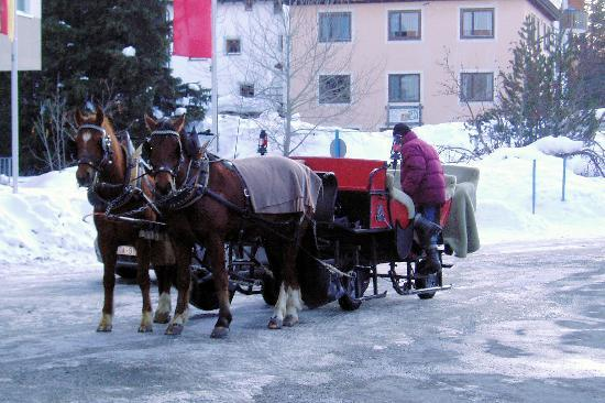 Club Med Saint Moritz Roi Soleil: Taxi