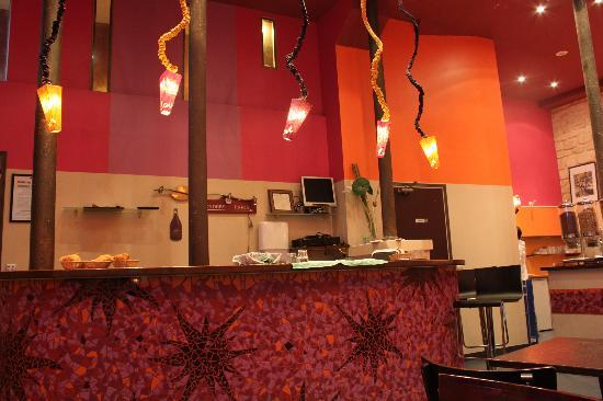 Caulaincourt Square Hostel: The interior of Breakfast area