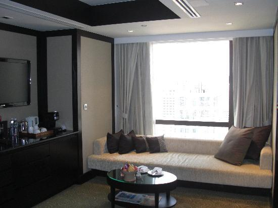 Living Area - Club Suite
