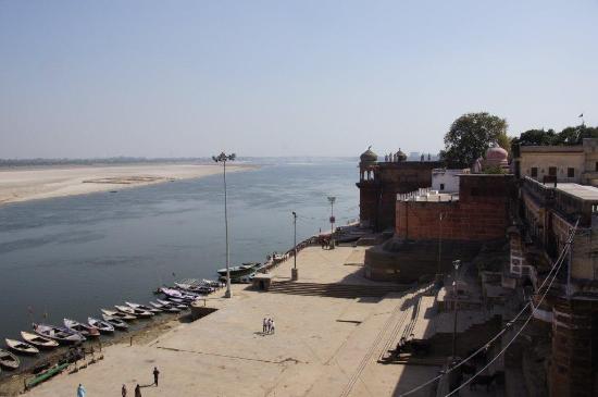 Suryauday Haveli - An Amritara Resort: Gath view from balcony