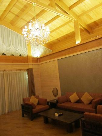 Living Room With Big Sofa And Tv Set Under The High Wooden Roof Picture Of Dreamland Resort Taishan Tripadvisor