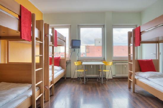 Meininger Hotel Berlin Reviews