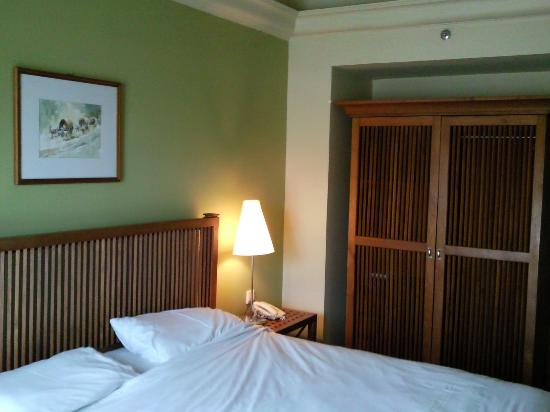 Seri Costa Hotel-Resort: King Size Bed