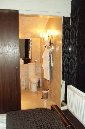 The Kenilworth Hotel: Walk in Wet Room