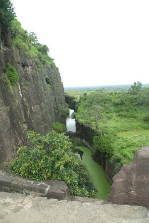 Daulatabad Fort: Walls