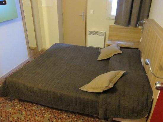 Hôtel balladins Albertville/Tournon : ベッドの様子