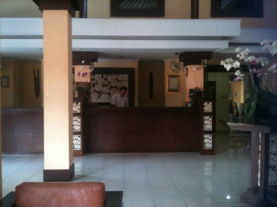 Kuta Beach Club Hotel: reception