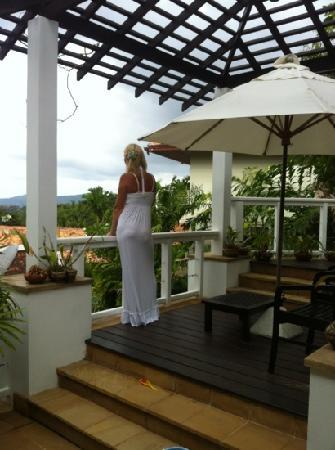 Katamanda - Luxury Phuket Villas: из беседки открывается восхитительный вид на море