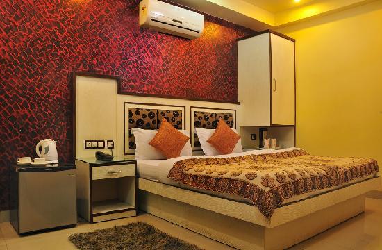 Hotel Shiv Dev International: Standrd Room