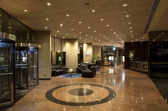 Delfines Hotel & Casino: LOBBY