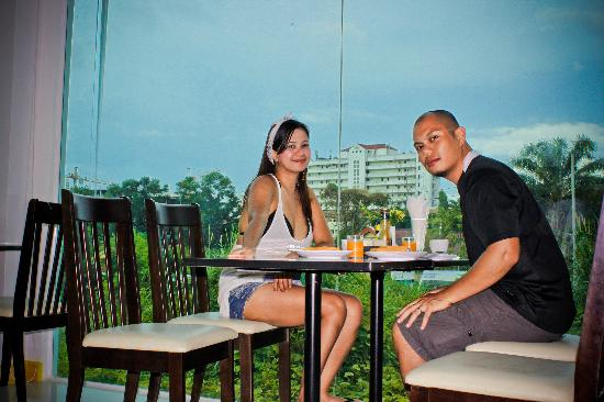 Paradise Beach Resortel : beakfast time at the hotel
