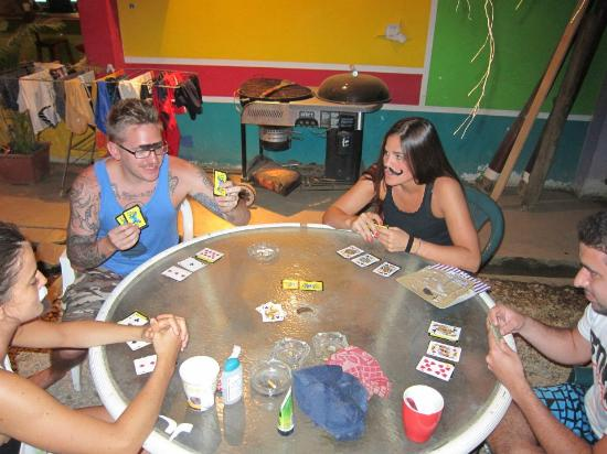 La Oveja Negra Hostel and Surf Camp: Poker faces