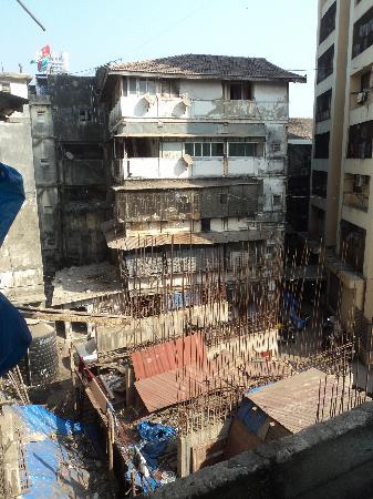 Hotel New Bengal: вид из окна отеля