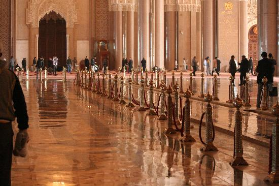 Mezquita de Hassan II: inside the hassan ii mosque