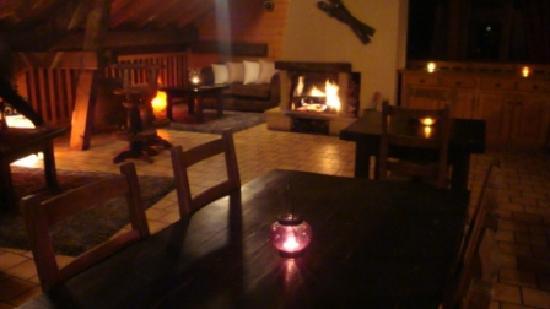 Le Caribou: Notre salle cosy