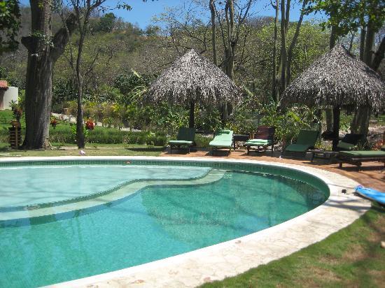 Playa Cielo: Poolside