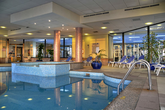 Radisson Blu Resort, Malta St Julian's: Indoor Pool