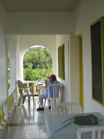 Villa La Cage: Apartment veranda