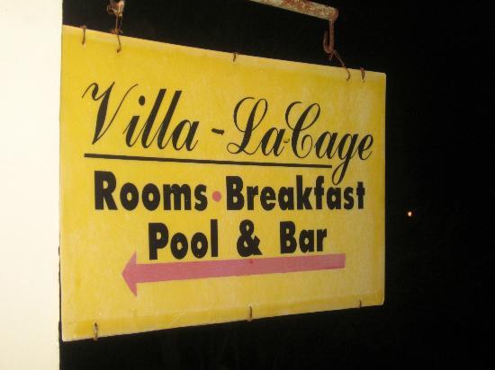 Villa La Cage: Second Floor Signage