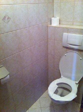 Hotel Büntali: toilet - very clean