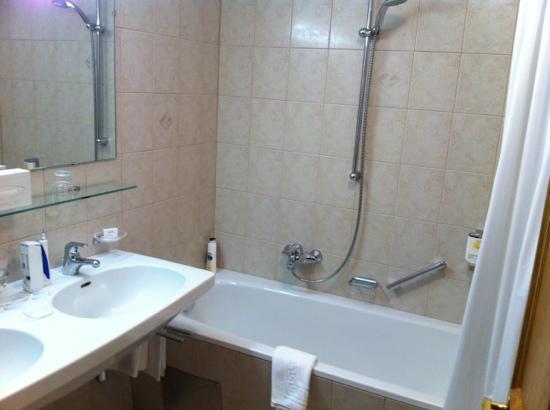 Hotel Büntali: bathroom -very clean