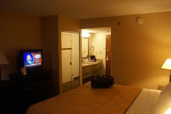 Comfort Inn Edison : Bedroom