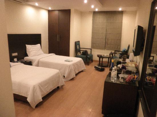 The Legend Inn: Room 407 Executive twin room