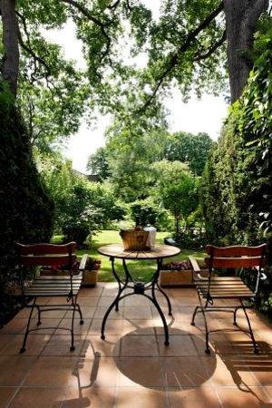 Cazaudehore La Forestière : Une terrasse de chambre