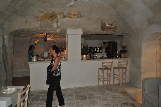Anticalama: Inside Bar