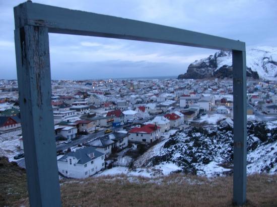Hótel Þórshamar : village overlook