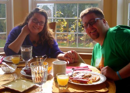 Vineyard View Bed & Breakfast: Newlywed Breakfast