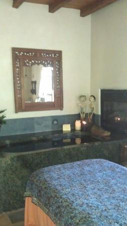 Absolute Nirvana Spa & Gardens: Massage Room - Ah, Bliss.