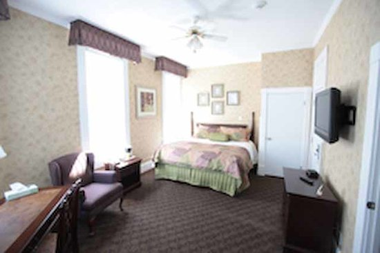 The Island House Hotel: Corner King Suite