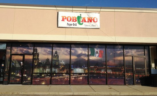 Poblano Pepper Grill: Entrance