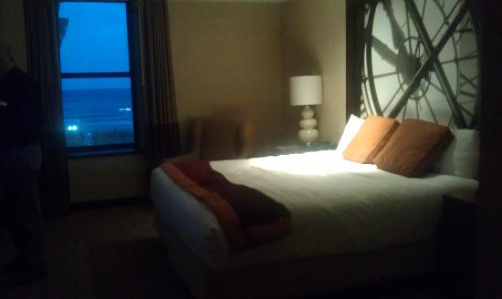 Bally's Atlantic City : room 574 king with the view