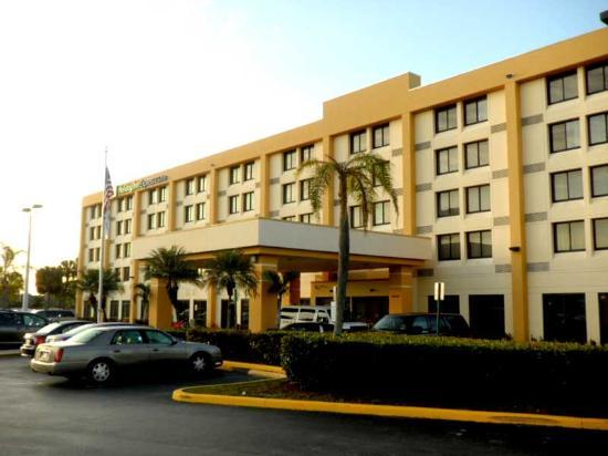 Holiday Inn Express & Suites Miami-Hialeah Miami Lakes