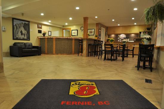 Super 8 Fernie Front Desk & Lobby