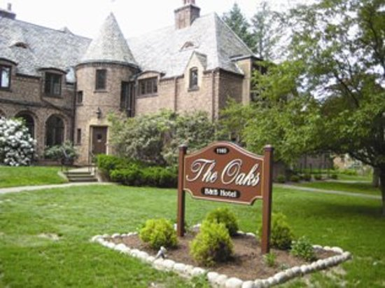 Jamestown, estado de Nueva York: Welcome to The Oaks Bed & Breakfast Hotel