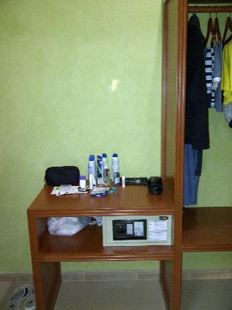 Hotel Posada Sian Ka'an: safe console