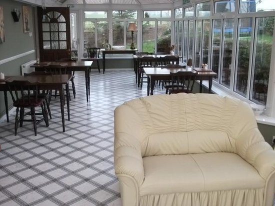 Elmfield House: lounge / diner