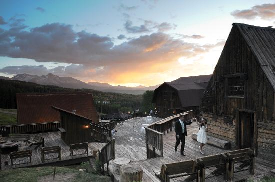 Gorrono Ranch Restaurant : A Wedding dance on the Gorrono Deck