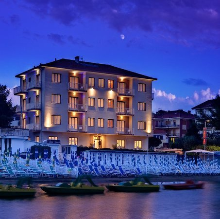 Hotel Baia Diano Marina