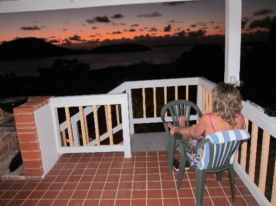 Tamarindo Estates Beach Apartments: Sunset on the porch