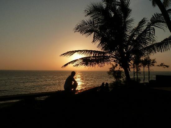 Varkala SeaShore Beach Resort: Sunset