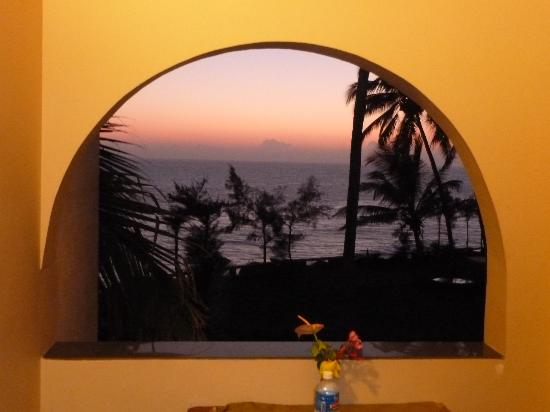 Varkala SeaShore Beach Resort: Sunset from balcony