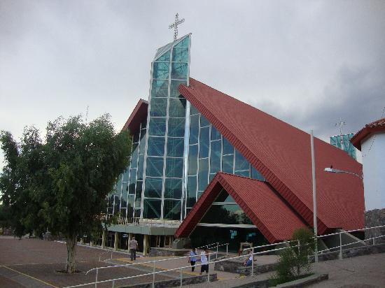 Santuario de la Virgen de Lourdes: Iglesia Moderna