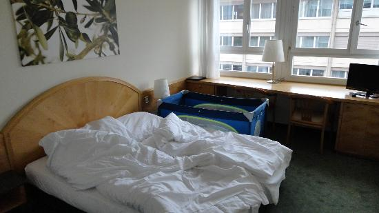 Astor Hotel & Serviced Apartments: .