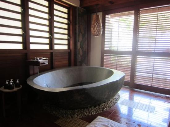 Angsana Balaclava Mauritius: Stone carved bath tub