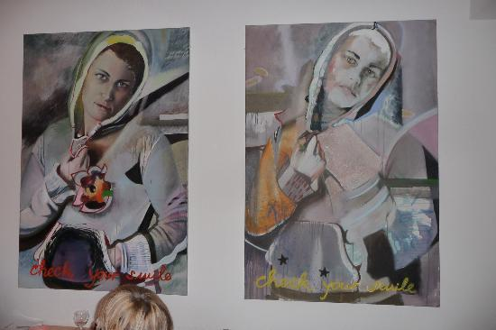 Restaurant Ruffini: two nice real paintings