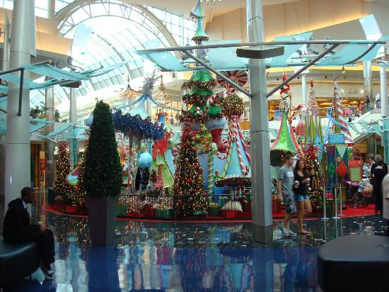 the mall at millenia christmas decoration located in the center